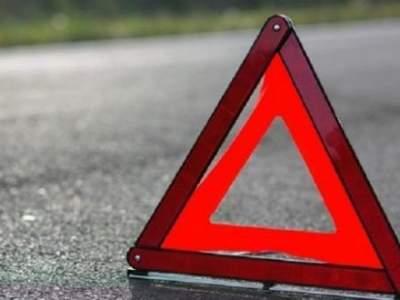 Дорожная авария парализовала движение натрассе Нефтеюганск— Сургут вХМАО