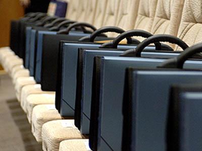 Сенаторы предлагают запретить банкротам занимать должности на национальной службе