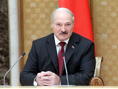 Лукашенко: Трудоустройте, пожалуйста, своих жен, мужей, любовниц и любовников