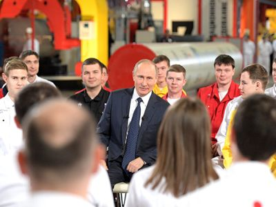 Путин разъяснил нередкое появление преступников иполицейских на русских телеэкранах