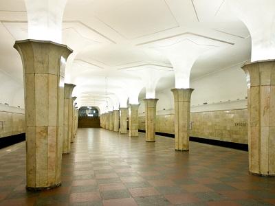 Настанции метро «Кропоткинская» показали спектакль «Воскресение»