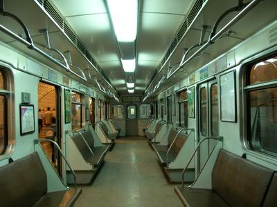 Движение поездов научастке «Парк Победы»— «Деловой центр» будет временно прекращено