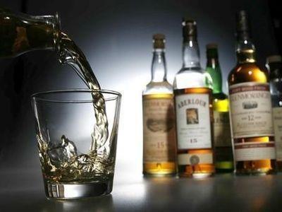 5 человек отравились суррогатным спиртом вКрасноярске