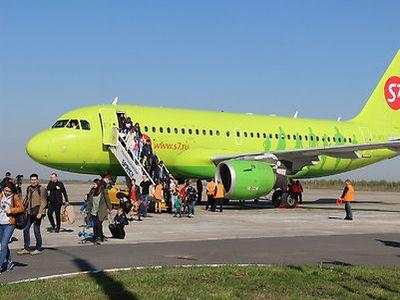 ВБрянске крайне удачно сел и превосходно взлетел самолет изСанкт-Петербурга