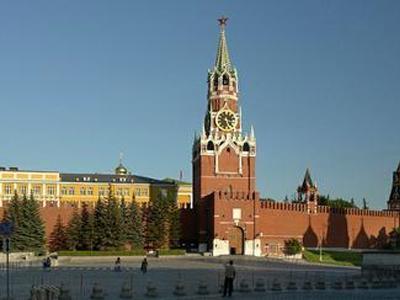 Неменее тысячи молодых музыкантов сыграли устен Кремля