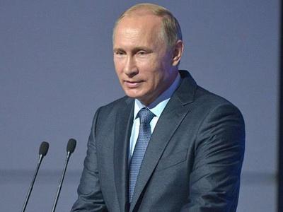 Путин поздравил таможенников сихпраздником