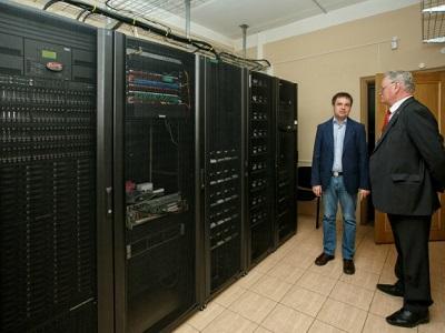Неповторимый суперкомпьютер запустили на далеком ВостокеРФ