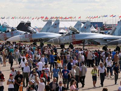 Владимир Путин осмотрит экспонаты МАКС-2017 иобсудит вопросы гражданского авиастроения