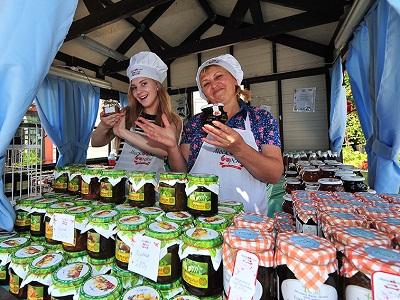 150 тыс. банок варенья приобрели гости фестиваля «Московское лето. Цветочный джем»