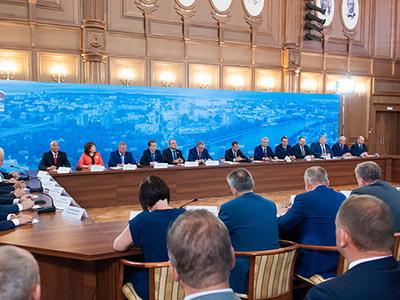 Медведев призвал продолжить снижение процентов поипотеке