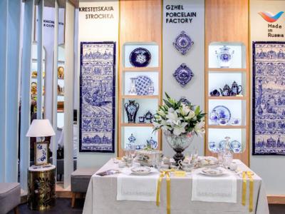 Русские  народные промыслы представили напрестижной выставке встолице франции