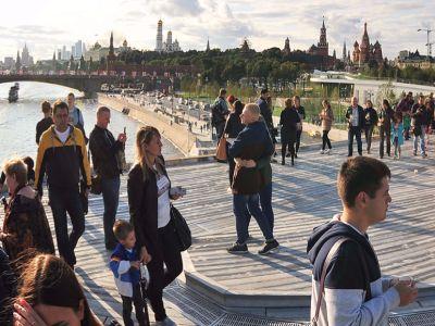 «Зарядье» занеделю посетили неменее 250 тыс. человек