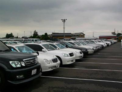 В РФ снова растет вторичный рынок машин: лидер— Лада