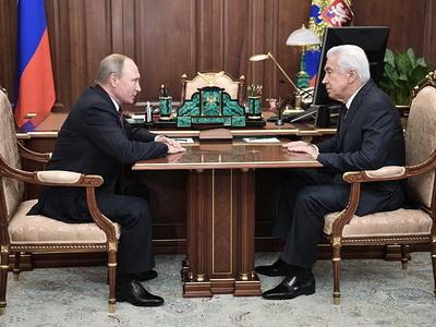 Рамазан Абдулатипов назвал Владимира Васильева хорошей кандидатурой напост врио руководителя Дагестана