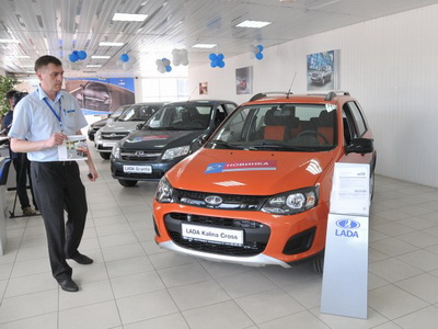 Рост продаж новых машин в РФ замедлился кконцу осени
