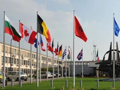 Генеральный секретарь  НАТО разъяснил  бомбардировку Югославии желанием защитить население