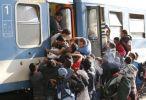 Около 3 тысяч мигрантов ежемесячно возвращаются на родину - Меркель