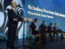 Медведев: В малом бизнесе должно участвовать до 60% населения РФ
