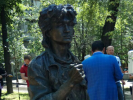 В Алма-Ате установили памятник Виктору Цою