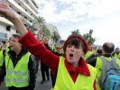 «Мирный» митинг во Франции: 1 убит, 227 ранено