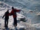 Ребёнок провалился под лёд в Петербурге: тело ищут водолазы