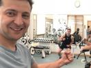 Зеленский приступил к тренировкам в спортзале президентской администрации