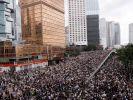 В Гонконге тысячи людей вышли поддержать протест против изменения закона об экстрадиции