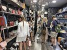Объём теневого рынка товаров класса люкс превысил продажи оригинальной продукции