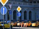 Специалисты сравнили стоимость пользования такси и личным автомобилем в России