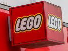 "Lego will Release the Constructor for the 25th Anniversary of the Series ""Friends"""