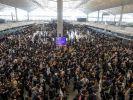 Аэропорт Гонконга охвачен акцией протеста