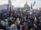 Тысячи людей Украины вышли на митинги против «формулы Штайнмайера»