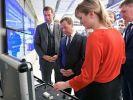 Медведев заявил о работе над возможностью онлайн-приема документов в вузах