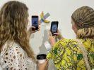 Американский художник съел банан, представленный на выставке за 120 тысяч долларов