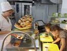 Почти 80% российских школьников едят фастфуд