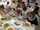 Закон о бесплатном питании школьников был принят в третьем чтении