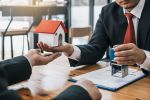 Выдача ипотеки в России рухнула почти на 40%