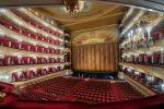 Артистов Большого и Мариинского театров отправили на карантин