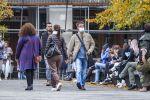 В Латвии пообещали штрафовать людей без масок в общественных местах