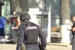 Захватчик банка в Грузии смог уйти с тремя заложниками