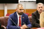 «Коммунисты России» предложили выплатить таксистам и продавцам по 20 тысяч рублей