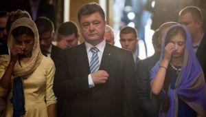 Порошенко вместе с семьёй помолился за Украину