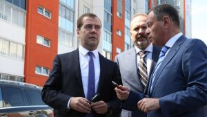 Медведев остался недоволен качеством дорог в Челябинской области