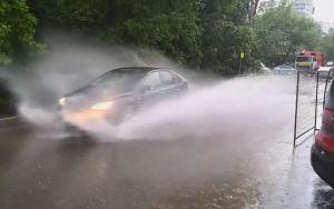 Коммунальщики устранили подтопления на дорогах в столице