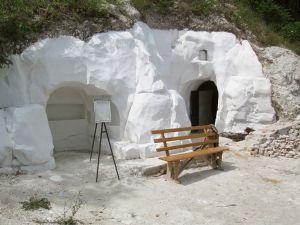 Губернатор Воронежской области посетил пещерный храмовый комплекс в Подгоренском районе