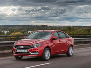 AvtoVAZ began deliveries to dealerships of sedans LADA Vesta with a new for this model engine 1.8 liters