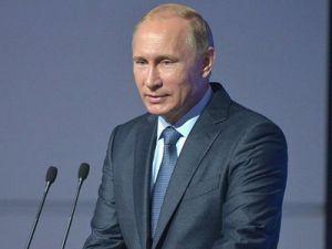 Путин поздравил с профессиональным праздником судебных приставов