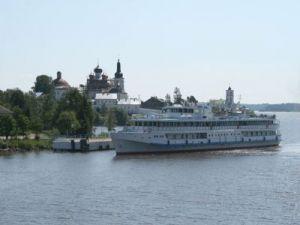 720 теплоходов с туристами сделают остановку в Вологодской области