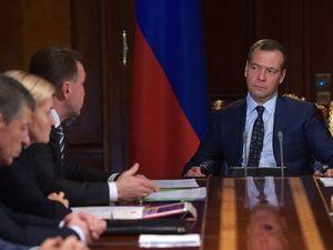 Медведев: Объёмы расходов на поддержку АПК предполагается сохранить на уровне 2017 года