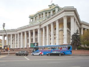 Бесплатным экскурсионным автобусом воспользовались почти 1,5 тыс. пенсионеров